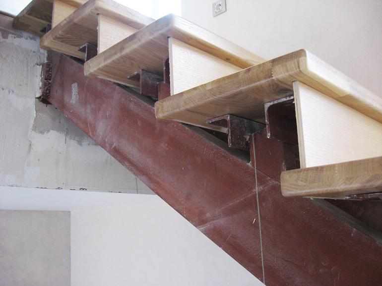 отделка лестницы своими руками видео