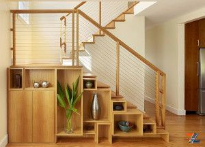 Комбинированный шкаф под лестницей