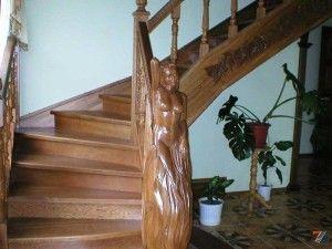 Дубовая лестница в русском стиле