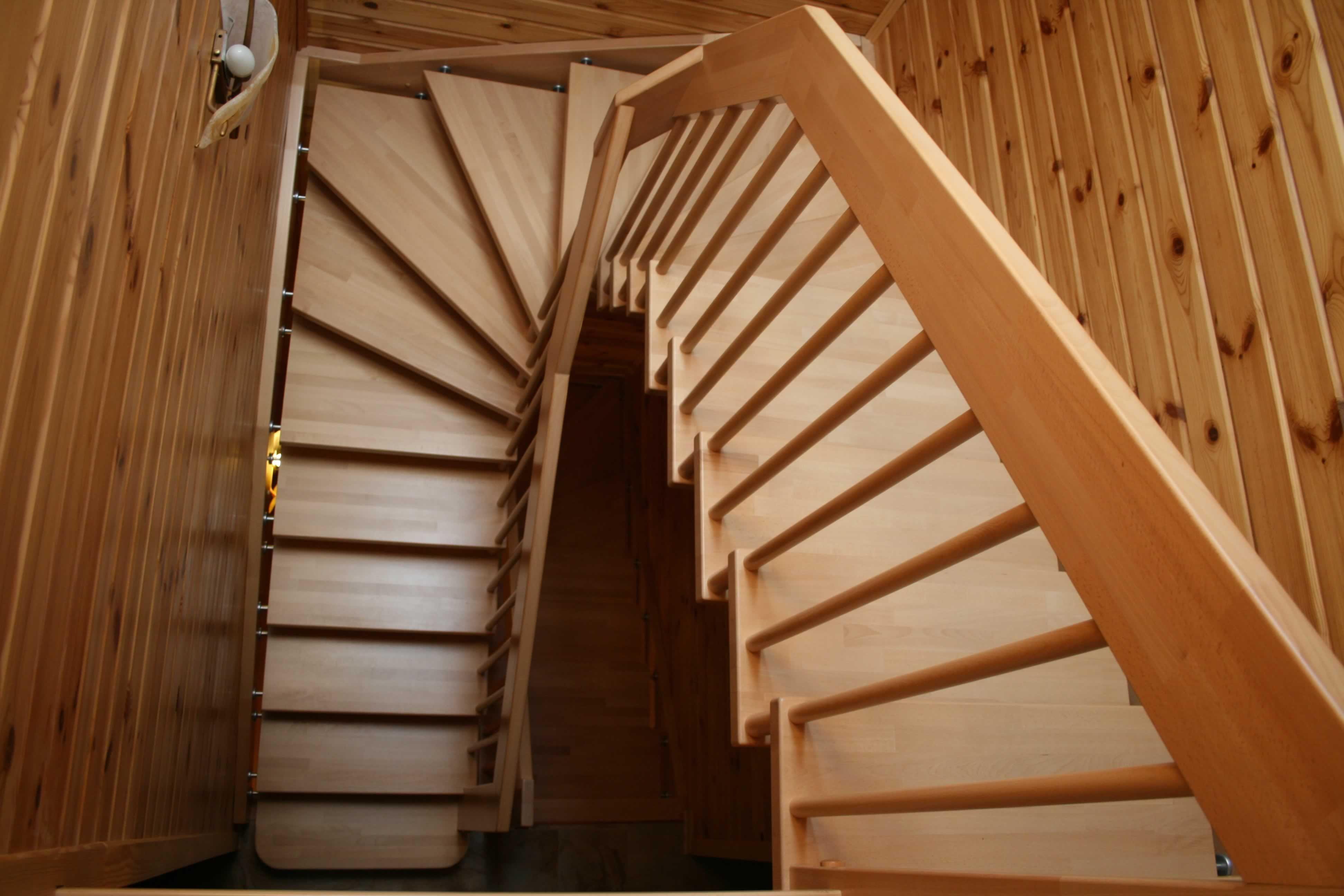 Г-образная лестница, вид сверху