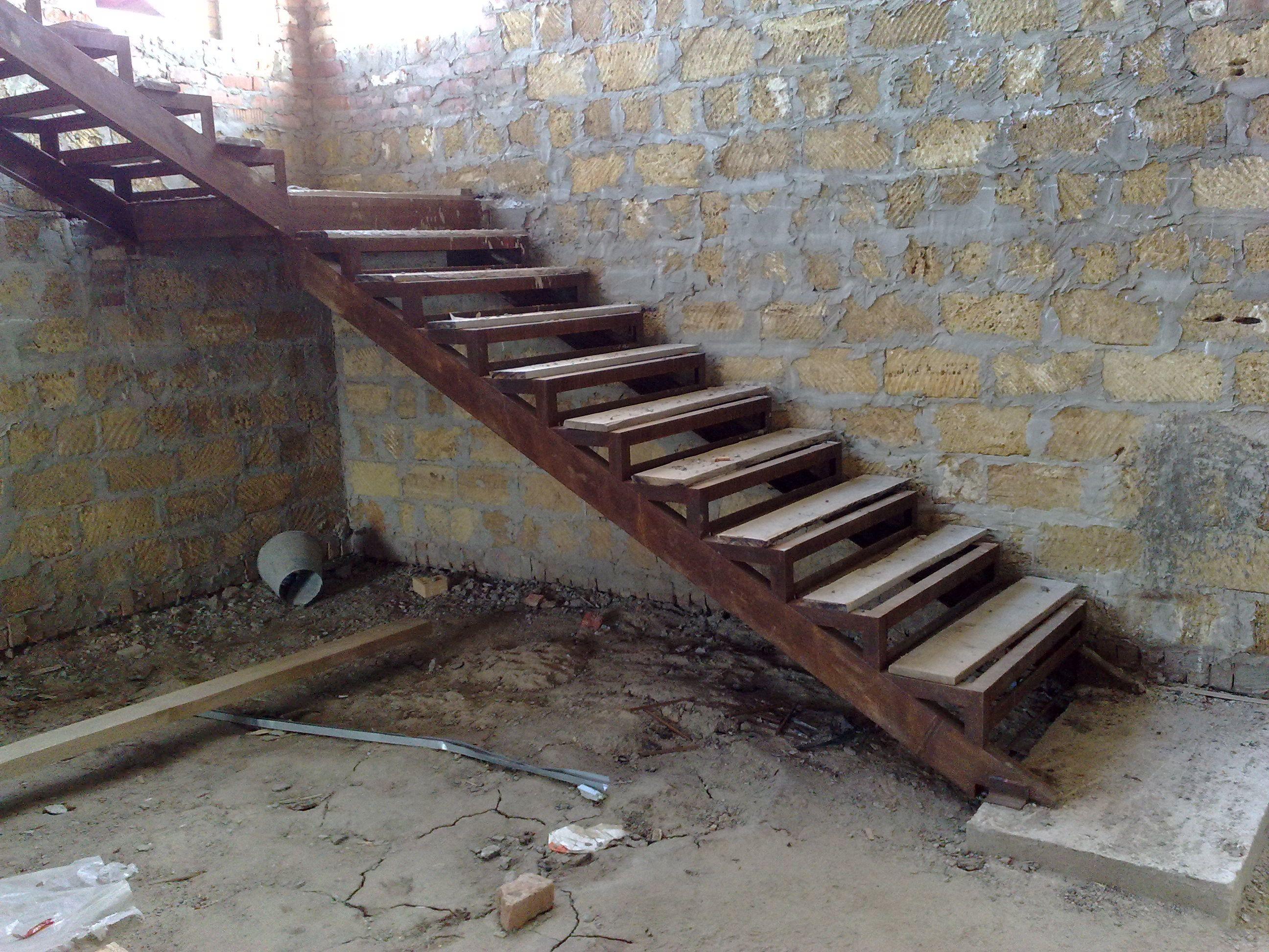 Как сварить лестницу из уголка на второй этаж #9