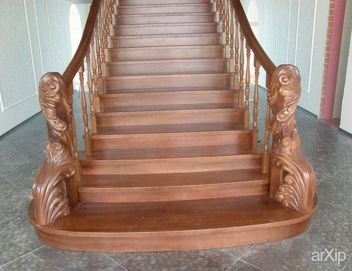 Классика деревянных лестниц – ступени из дуба