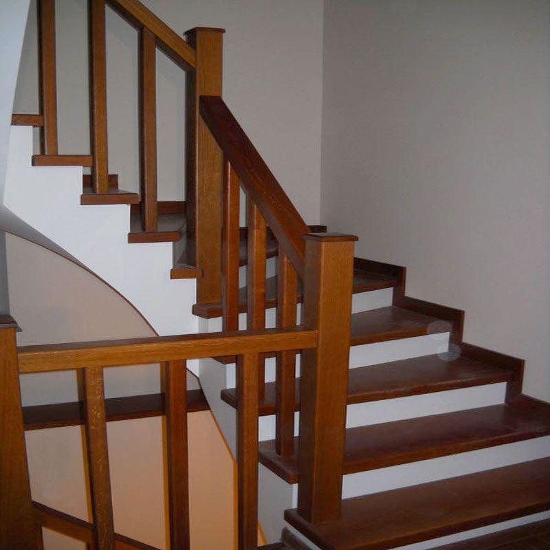 Цвет лестницы: лаки или краски?