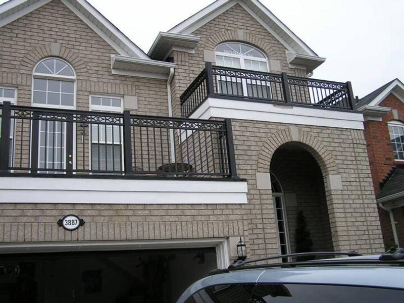 Как выбрать ограждение для балкона?