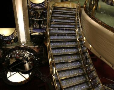 Лестница с кристаллами Swarovski