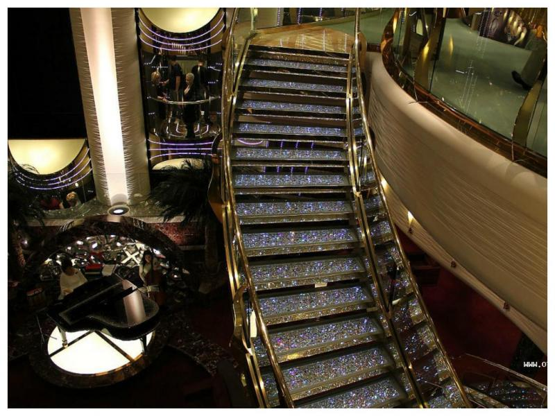 лестница со стразами