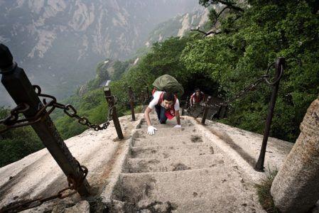 Самая страшная лестница в мире — небесная лестница в Китае