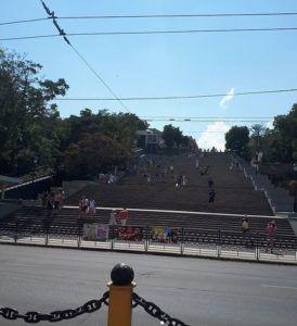 Вид на Потёмкинскую лестницу снизу