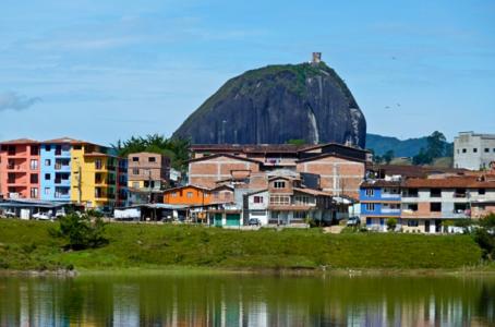 Скала Эль-Пеньон-де-Гуатапе