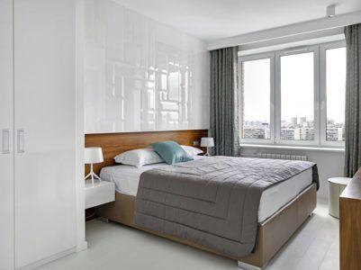 Интерьер спальни с акцентной стеной