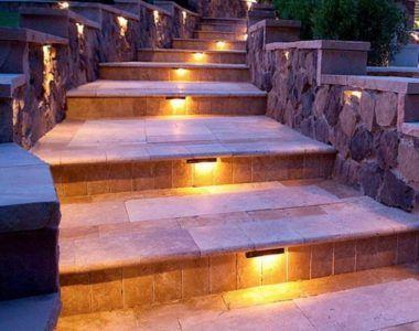 каменная лестница на улице