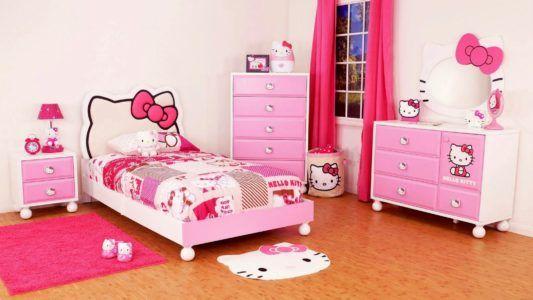 Яркая и уютная комната для девочки