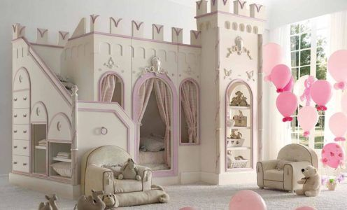 Мебель в виде замка для комнаты юной принцессы