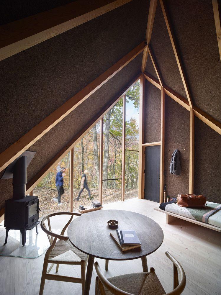 Деревянная мебель домика