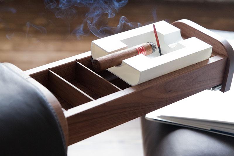 El Purista с сигарой