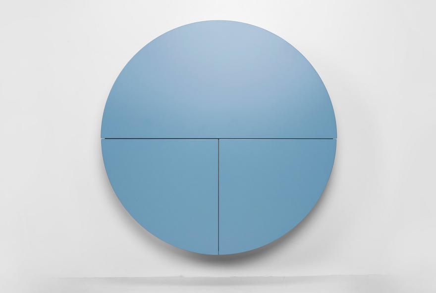 Голубой круглый шкафчик