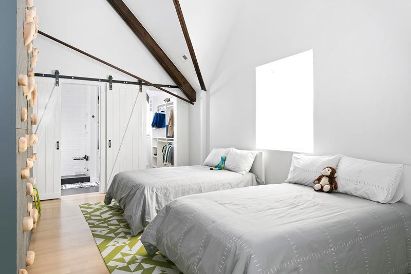 Спальня в семейном доме