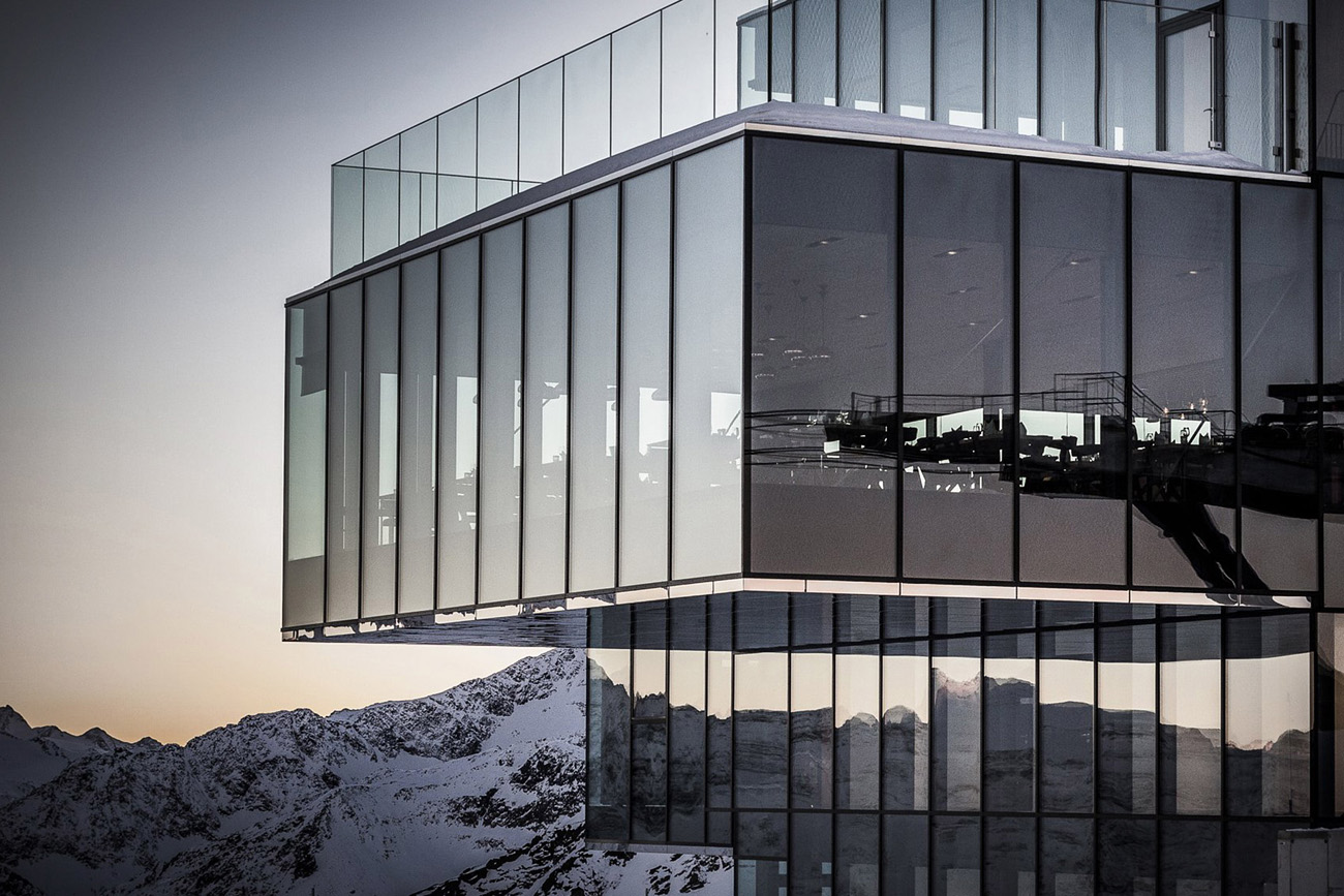 Стеклянный фасад Ice Q