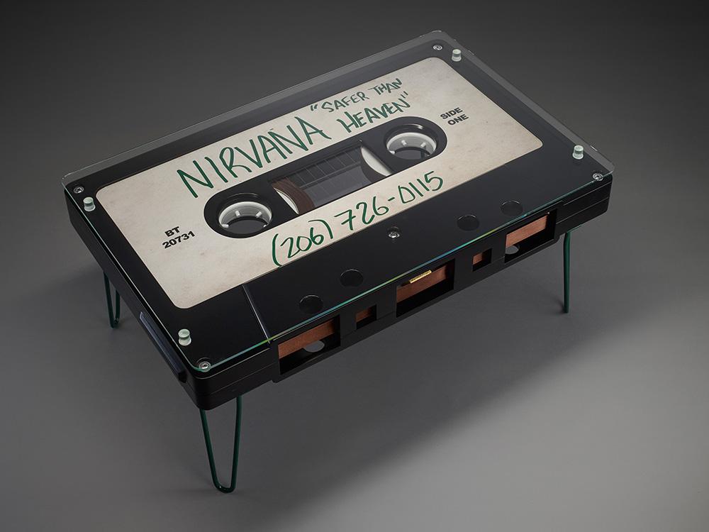 Столик в виде кассеты Nirvana