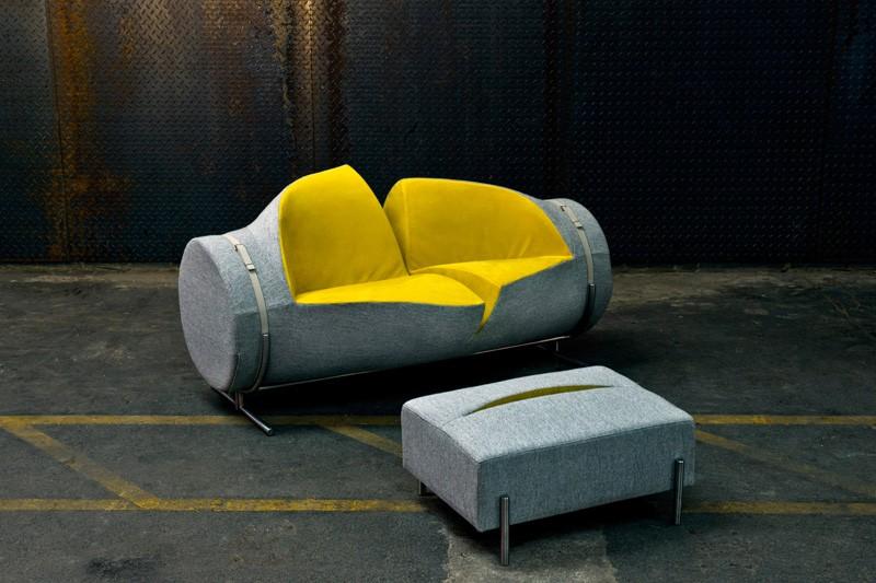 Вспоротый диван