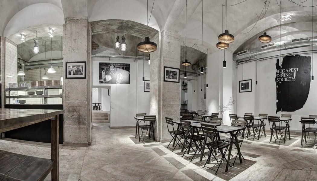 Ресторан в индустриальном стиле