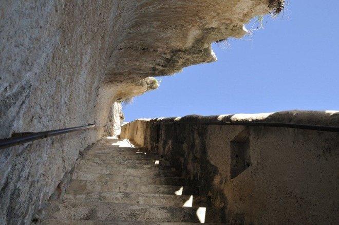Лестница в скале