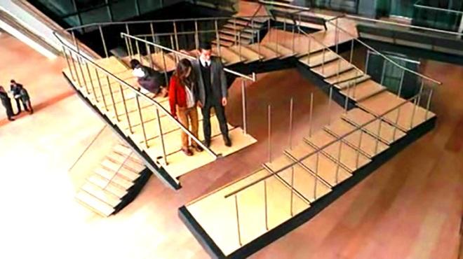 Существуют ли бесконечные лестницы?