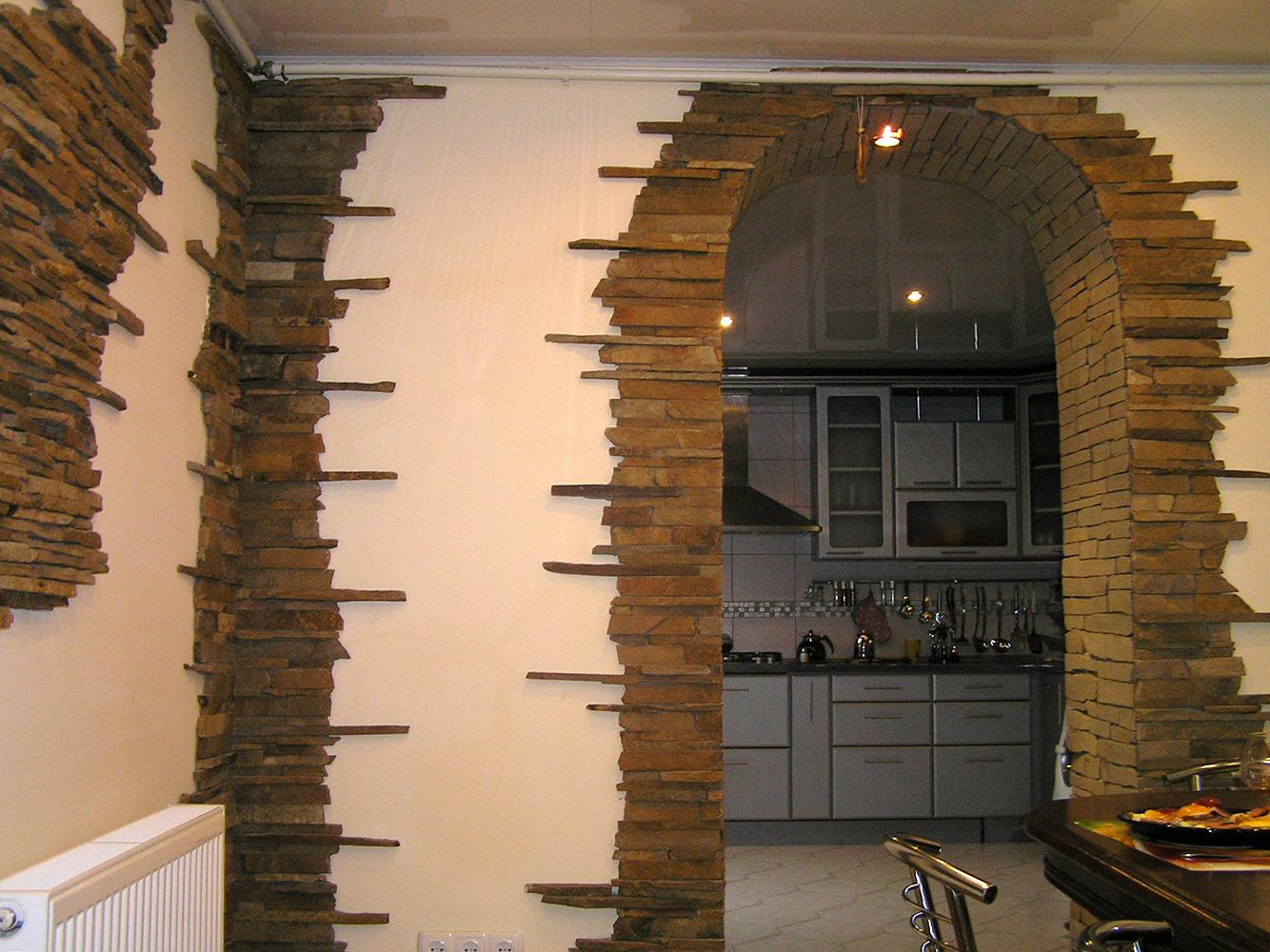 чудеса арка обложенная декоративным камнем фото революции остров стал
