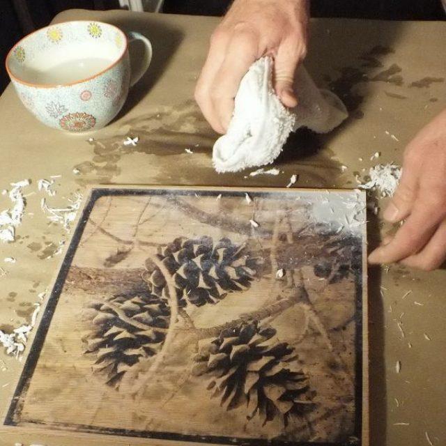 подобное положение перевод картинки с бумаги на дерево это время прохожий