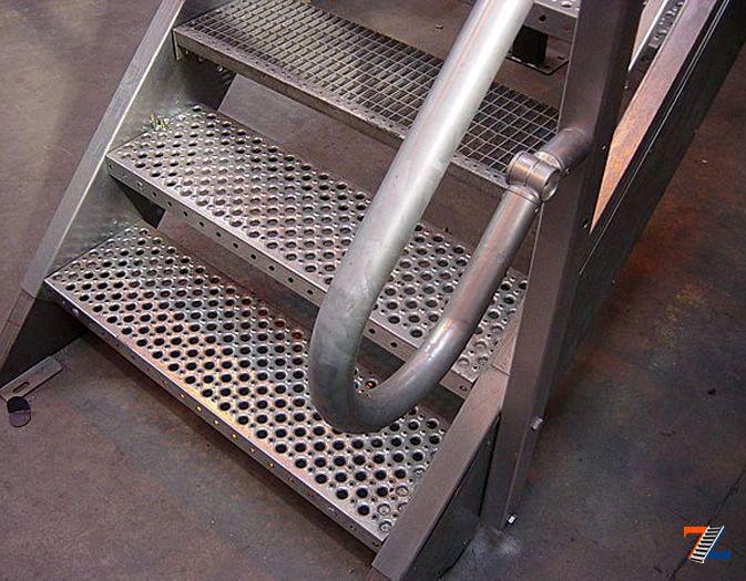 Как сделать лестницу из металла в погреб своими руками 69