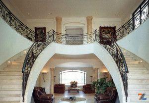 Мраморная распашная лестница