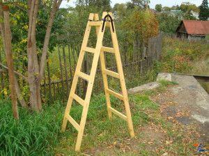 Стремянка деревянная для сада
