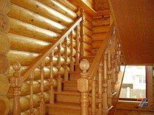 Лестница на даче в русском стиле
