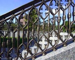 Готический узор декора лестниц