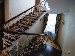 """Прелесть ковки перил на лестнице """"барокко"""""""