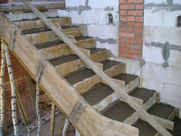 Бетонирование лестницы