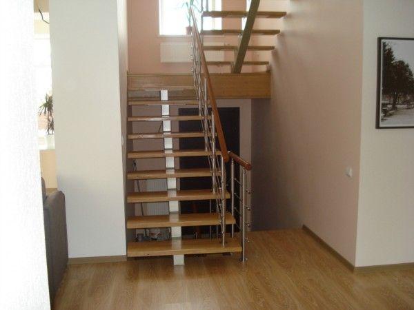 Маршевая лестница из профильной трубы