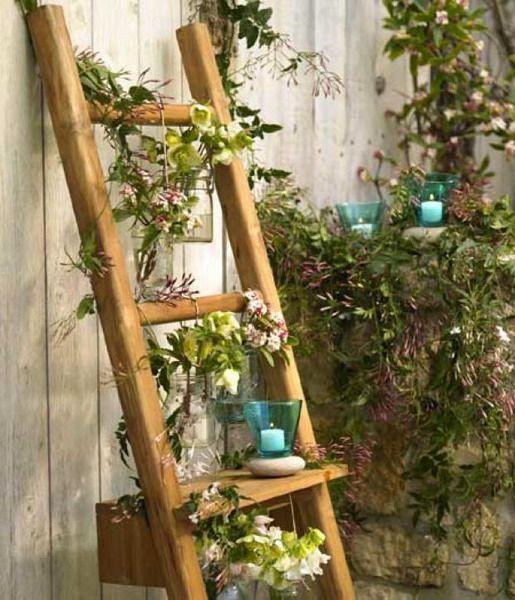 Подставка для цветов из старой лестницы