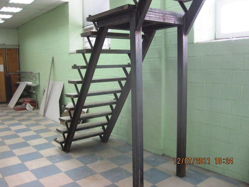 Лестница с профиля своими руками