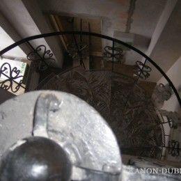 Установка каркаса, ступеней и ограждений лестницы