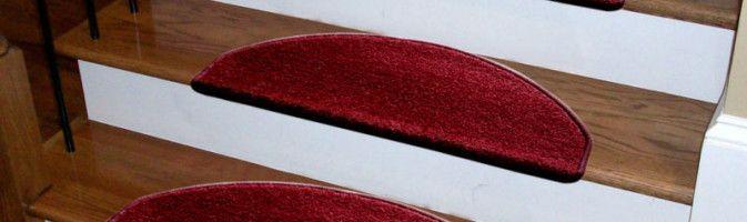 Островки тепла и комфорта: коврики на лестнице