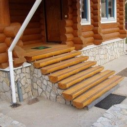 Ступени из дерева для внутренних и наружных лестниц