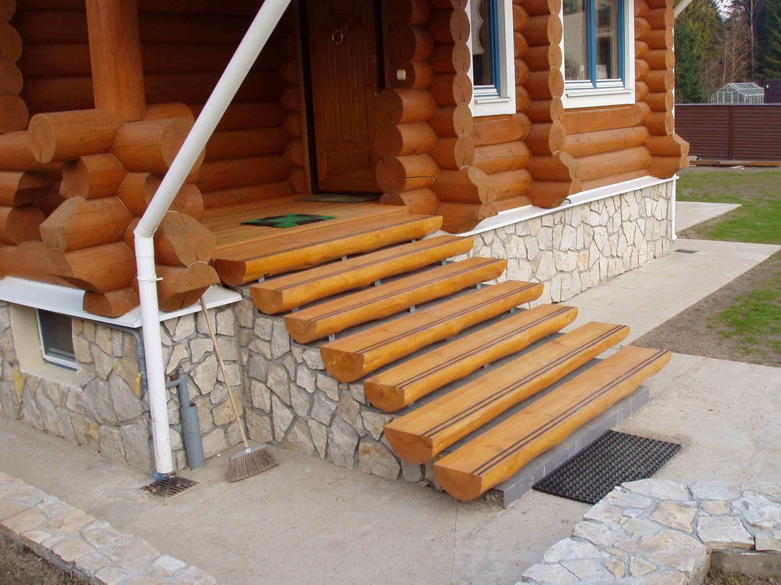 Резные балясины для лестниц - Резные столбы