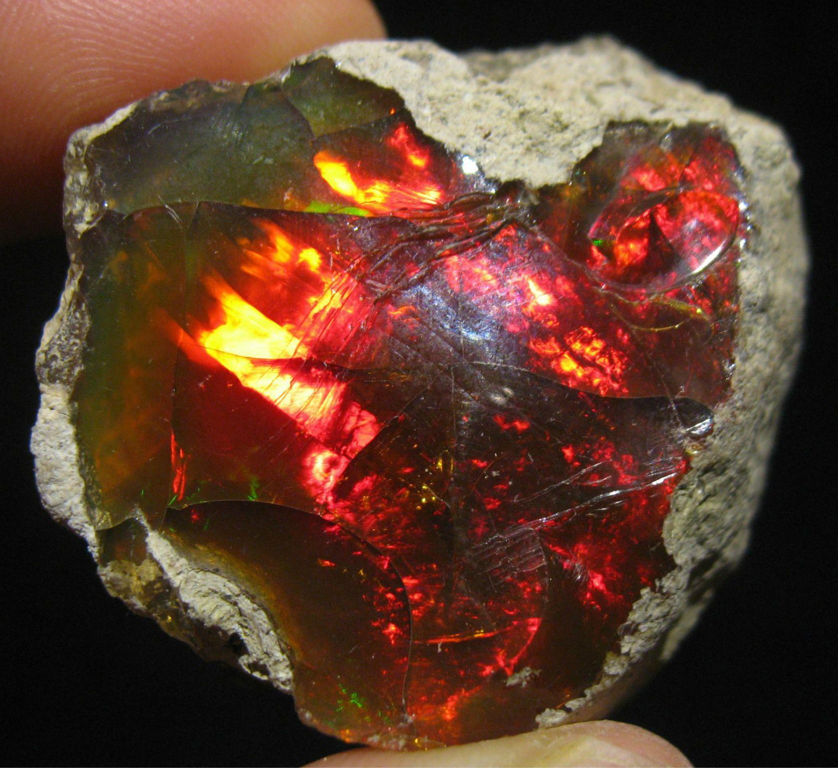 Дыхание древности в благородных камнях