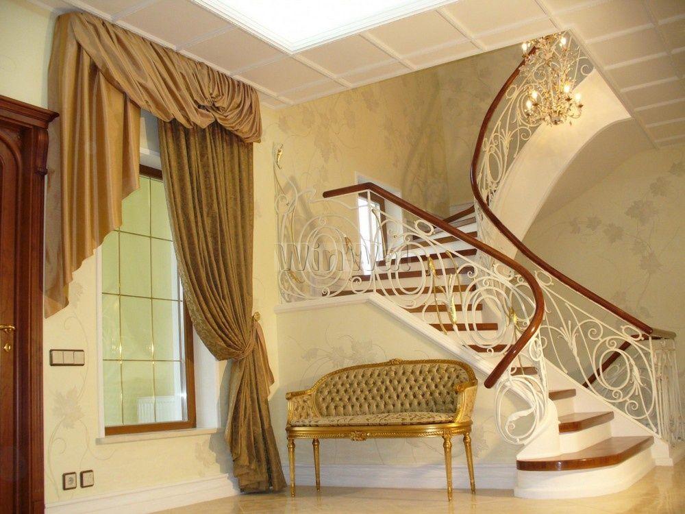 Украсьте окно в мир: текстиль на лестнице