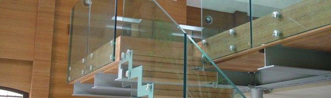 Блеск и изящество стеклянных ограждений