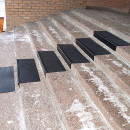 Декор вашей лестницы: какое покрытие выбрать?