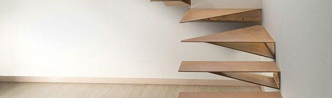 Оригинальная облицовка домашней лестницы