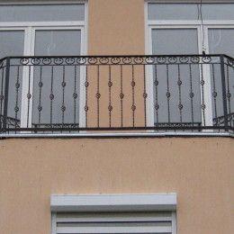 Кованое обрамление балконов: элегантная классика