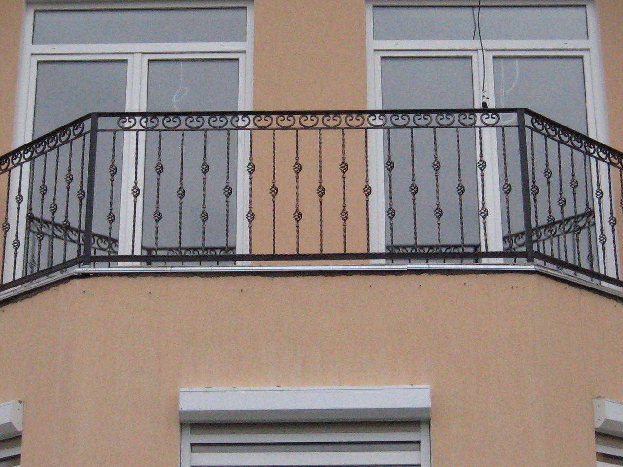 Балконные ограждения, фото перил из дпк террас, лоджий.